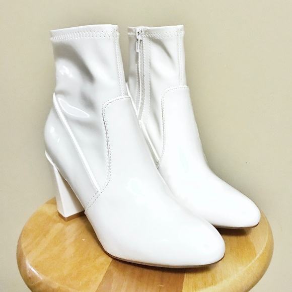 3fcd5f51aa0 💥SALE💥 NWOT Steve Madden GAZE White Patent Boots.  M 5a80fda331a3769787ab699b